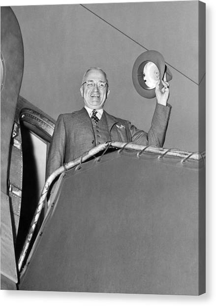 Harry Truman Canvas Print - Truman Off On Vacation by Underwood Archives