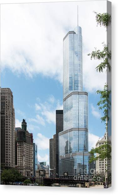 Trump Tower In Chicago Canvas Print