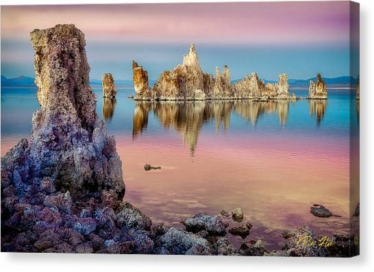 Tufas At Mono Lake Canvas Print