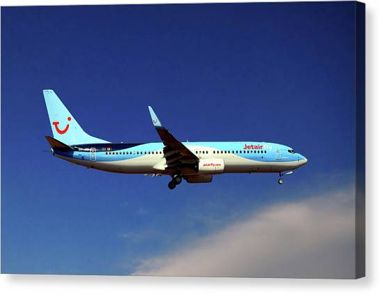 Boeing Canvas Print - Tui Fly Boeing 737-8k5 by Smart Aviation