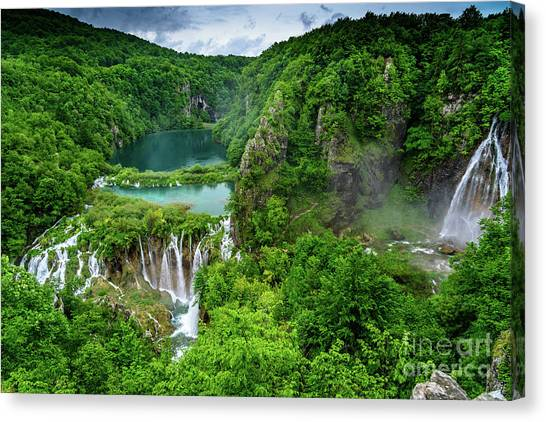 Turquoise Lakes And Waterfalls - A Dramatic View, Plitivice Lakes National Park Croatia Canvas Print