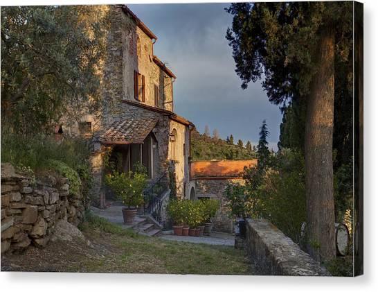 Tuscany Farmhouse  Canvas Print