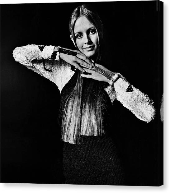 Twiggy In Sequined Jumpsuit Canvas Print by Bert Stern
