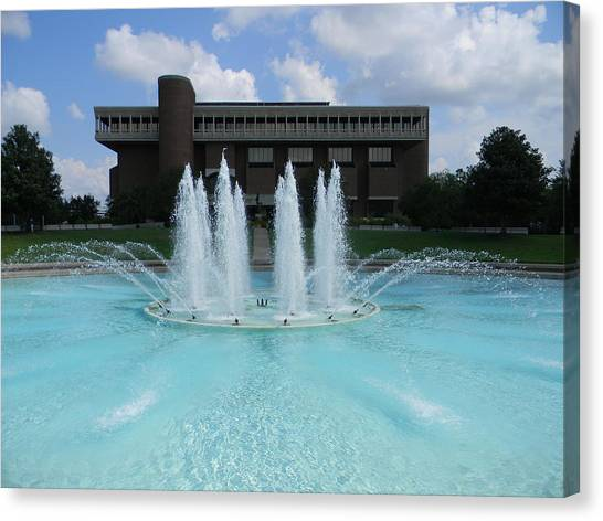 University Of Central Florida Ucf Canvas Print - Ucf Reflection Pond by Warren Thompson