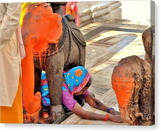 Under The Elephant - Narmada Temple At Arkantak India Canvas Print