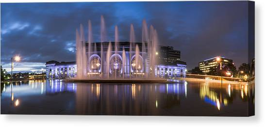 Union Fountain Canvas Print