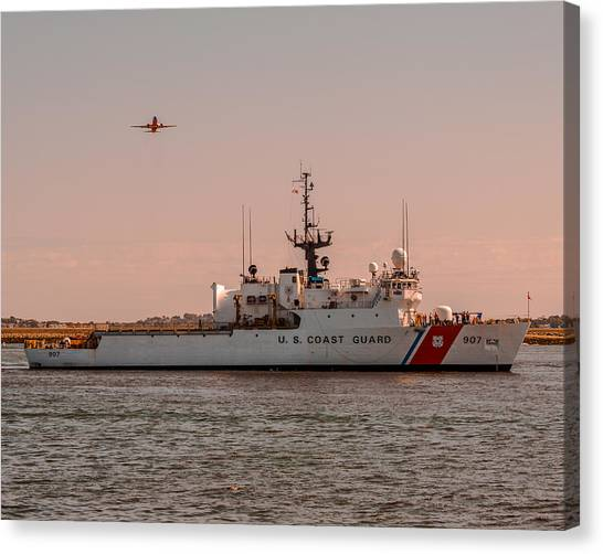United States Coast Guard Cutter Escanaba Wmec-907 Canvas Print