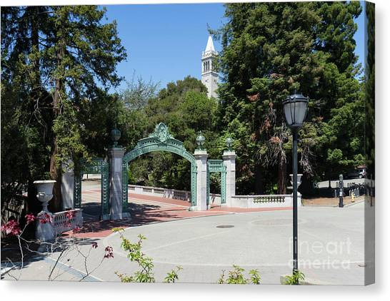 University Of California At Berkeley Sproul Plaza Sather Gate And Sather Tower Campanile Dsc6261 Canvas Print
