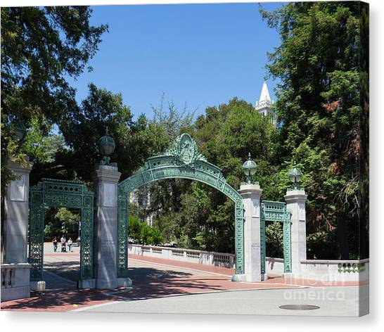 University Of California At Berkeley Sproul Plaza Sather Gate And Sather Tower Campanile Dsc6271 Canvas Print