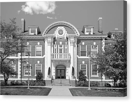 University Of Connecticut Canvas Print - University Of New Haven Maxcy Hall by University Icons