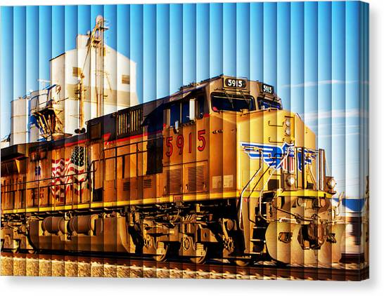 Up 5915 At Track Speed Canvas Print