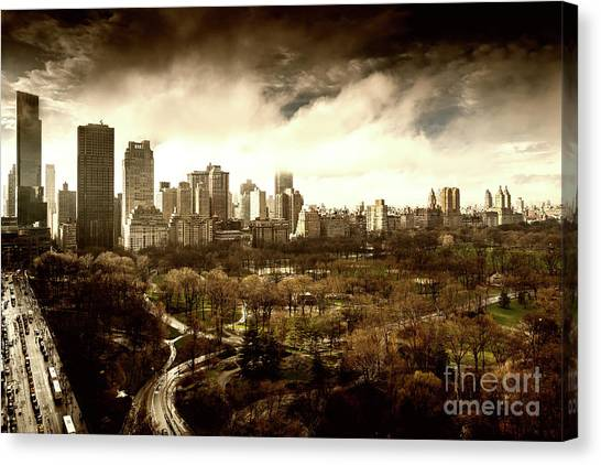 Upper West Side Of New York In Spring Canvas Print