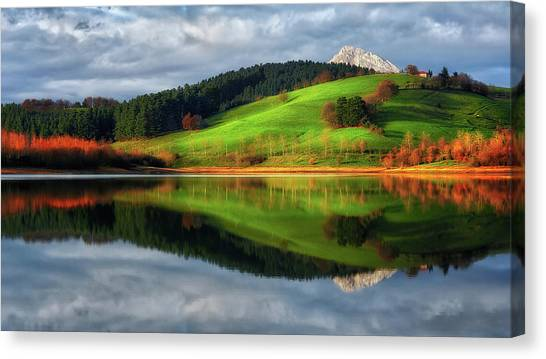 Urkulu Reservoir Canvas Print