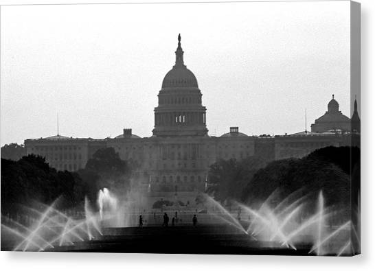 Us Capitol On Summer Morning Canvas Print
