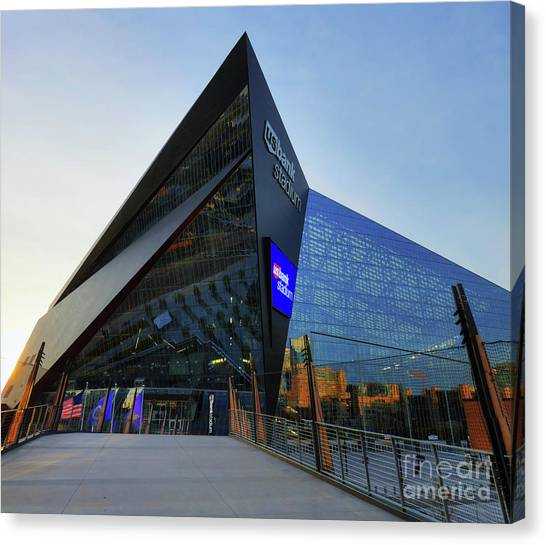 Usbank Stadium The Approach Canvas Print