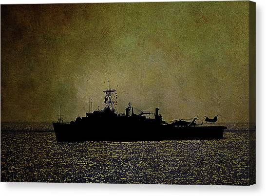 Uss Ponce Lpd-15 Canvas Print
