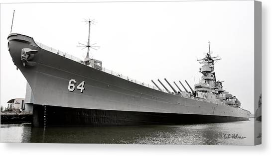 Uss Wisconsin - Port-side Canvas Print