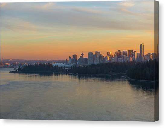 Canvas Print - Vancouver Bc Skyline And Stanley Park At Sunset by David Gn