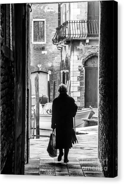 Venetian Silhoutte Lady Canvas Print