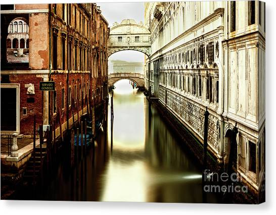 Venice Bridge Of Sighs Canvas Print