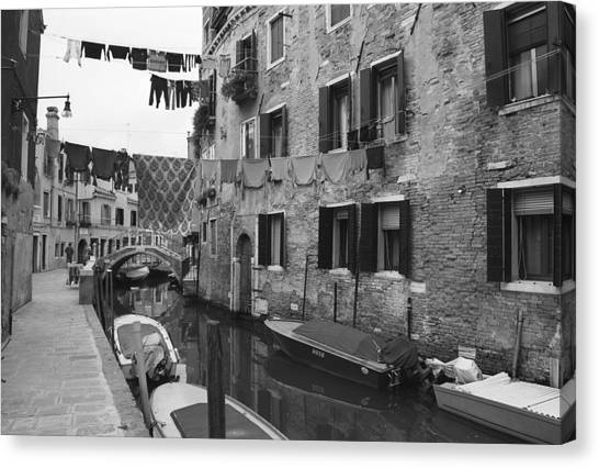 Clothes Washing Canvas Print - Venice by Frank Tschakert