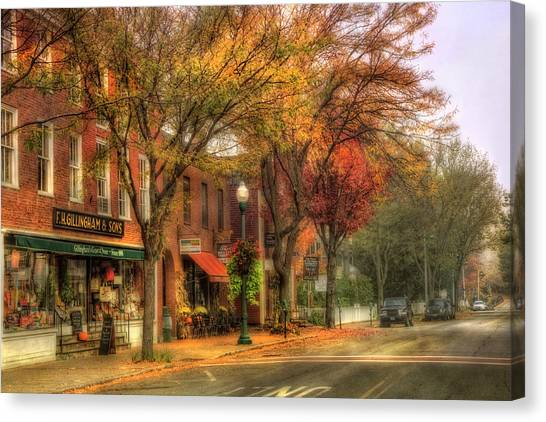 Vermont General Store In Autumn - Woodstock Vt Canvas Print