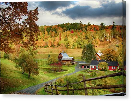 Vermont Sleepy Hollow In Fall Foliage Canvas Print