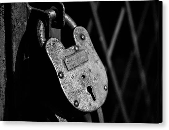 Canvas Print featuring the photograph Very Secure by Doug Camara