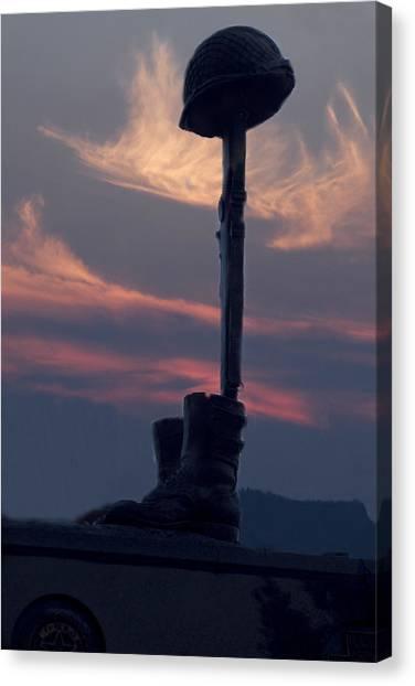 Veterans Monument At Sunset Canvas Print