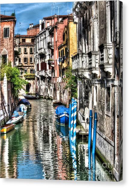 Viale Di Venezia Canvas Print