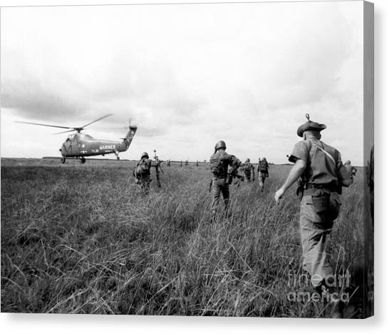 Vietnam War Canvas Print - Vietnam War by American School