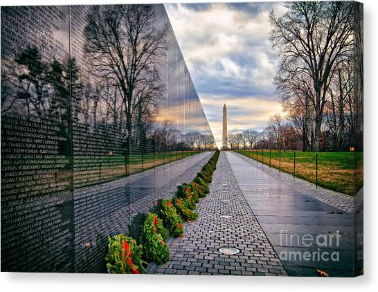 Vietnam War Memorial, Washington, Dc, Usa Canvas Print