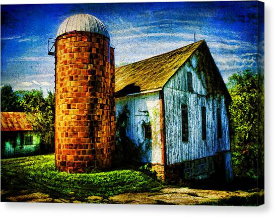 Vintage Silo Canvas Print by Trudy Wilkerson