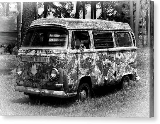 Canvas Print featuring the photograph Volkswagen Microbus Nostalgia In Black And White by Bill Swartwout Fine Art Photography