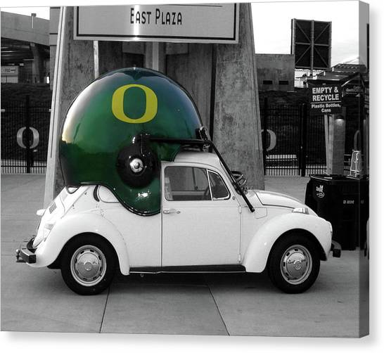 University Of Oregon Uo Canvas Print - Vw Plays For The Ducks by Two Small Potatoes