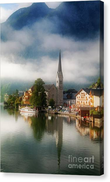 Waking Up In Hallstatt Canvas Print