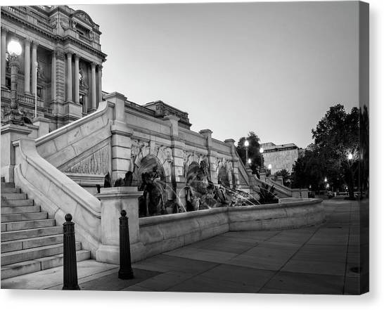 Walking By The Library Of Congress In Black And White Canvas Print