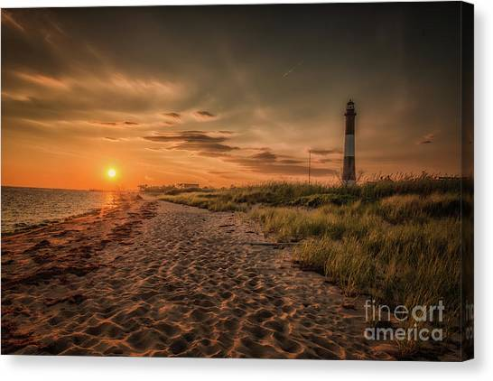Warm Sunrise At The Fire Island Lighthouse Canvas Print
