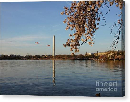 Canvas Print - Washington Monument by Megan Cohen