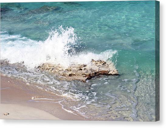 Gentle Wave In Bimini Canvas Print