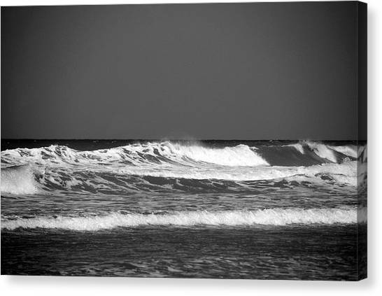 Waves 2 In Bw Canvas Print