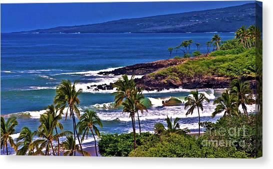 Waves Breaking At Hapuna Beach Canvas Print