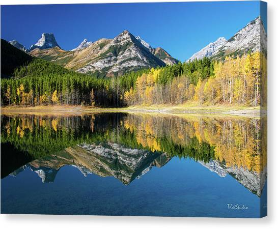 Wedge Pond Color Canvas Print