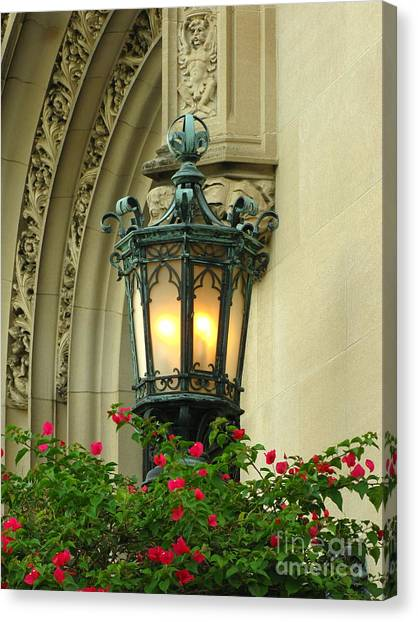 Welcome To Biltmore House Canvas Print