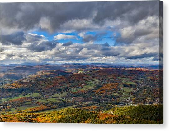 Western View From Mt Ascutney Canvas Print