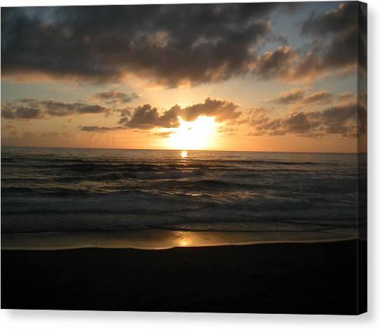 Where Sun And Ocean Meet Canvas Print