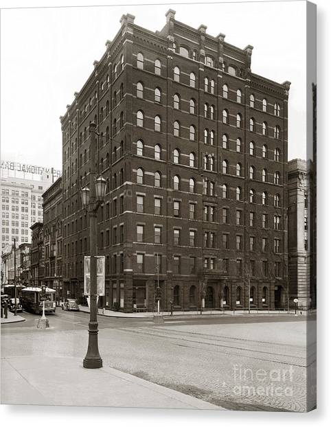 Wilkes Barre Pa Hollenback Coal Exchange Building Corner Of Market And River Sts April 1937 Canvas Print