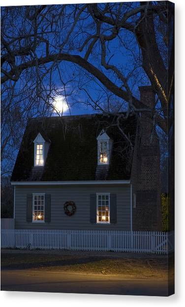 Williamsburg House In Moonlight Canvas Print