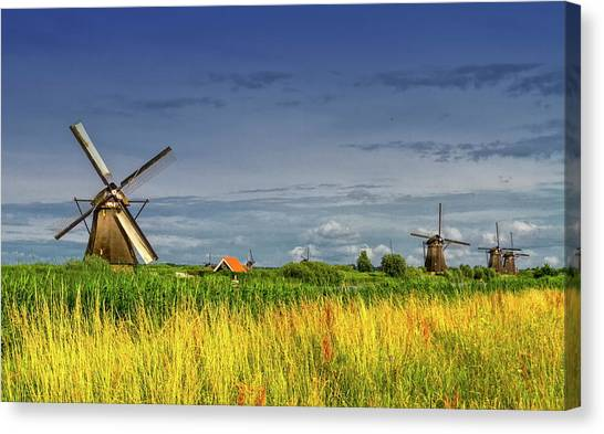 Windmills In Kinderdijk, Holland, Netherlands Canvas Print