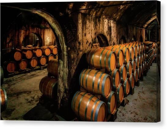 Wine Barrels At Stone Hill Winery_7r2_dsc0318_16-08-18 Canvas Print
